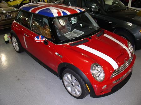 Union Jacks Come Back For Their Bid To Be The Mini Roof Graphic Trend Du Jour Two Ujs With One Waiting In Wings Next Week